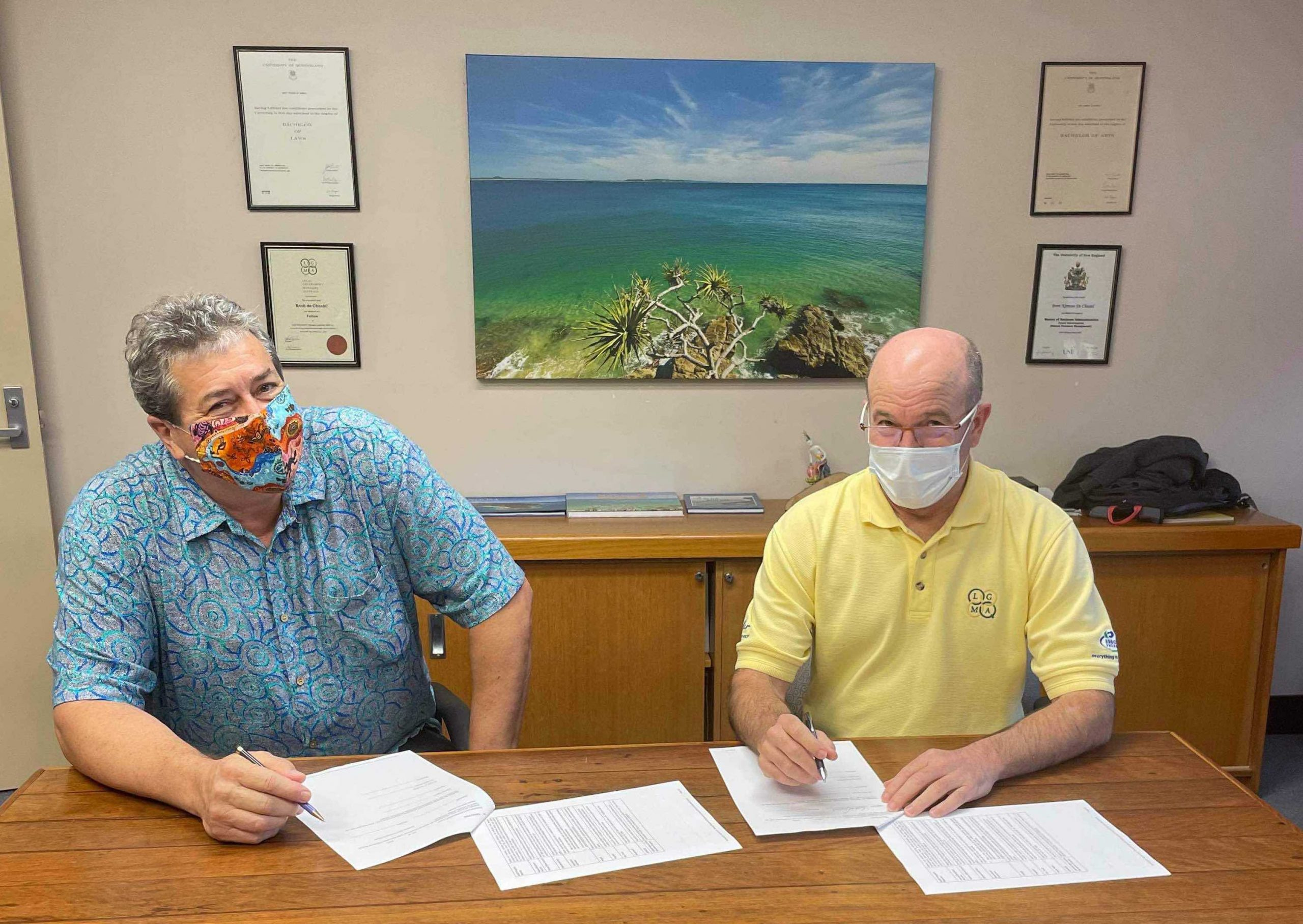 rex halverson chair nbrf signs partnership with brett de chastel ceo noosa council
